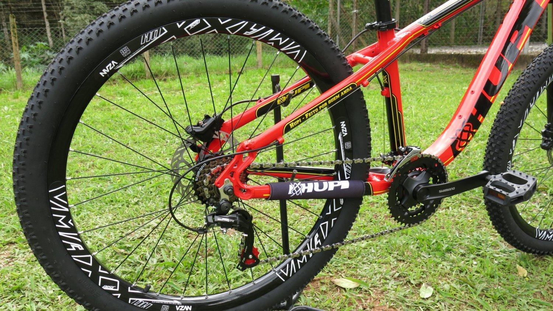"""Bicicleta HUPI Naja 27.5"""" Hidráulica 2019 Vermelha"""