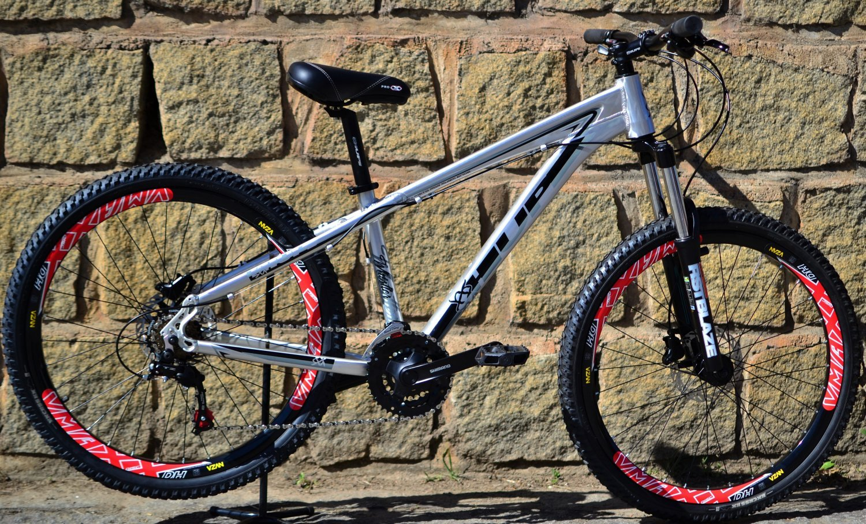 Bicicleta HUPI Whistler Hidráulica V5 Raw Polido