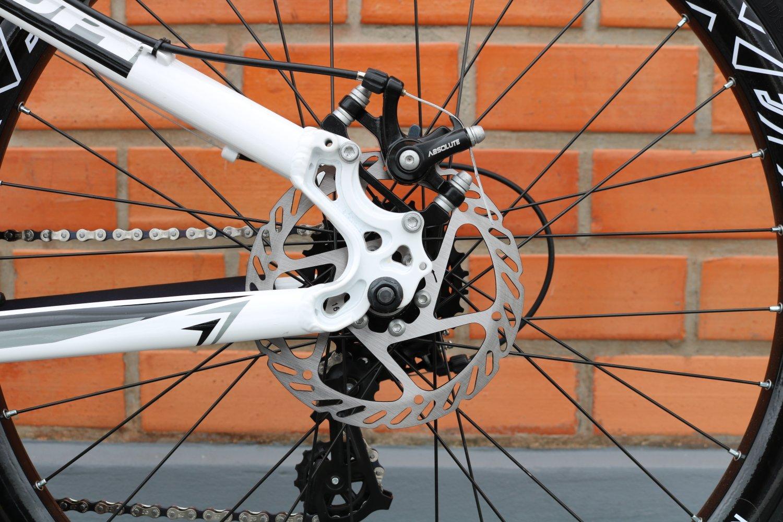 """Bicicleta HUPI Whistler One 26"""" V5 Branca"""