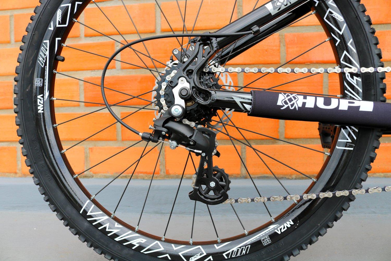 """Bicicleta HUPI Whistler One Freio Mecânico Aro 27.5"""" V5 Preta"""