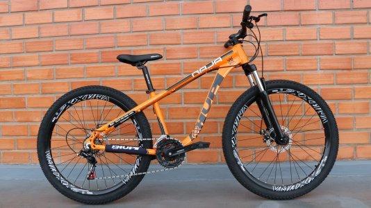 """Bicicleta HUPI Naja 27.5"""" Mecânica V7 Alaranjada"""