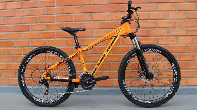 """Bicicleta HUPI Whistler 27.5"""" Mecânica 2019 Alaranjada"""