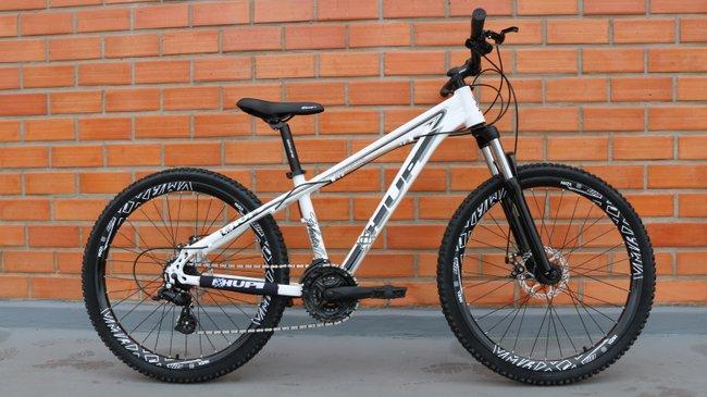 """Bicicleta HUPI Whistler One 27.5"""" V5 Branca"""